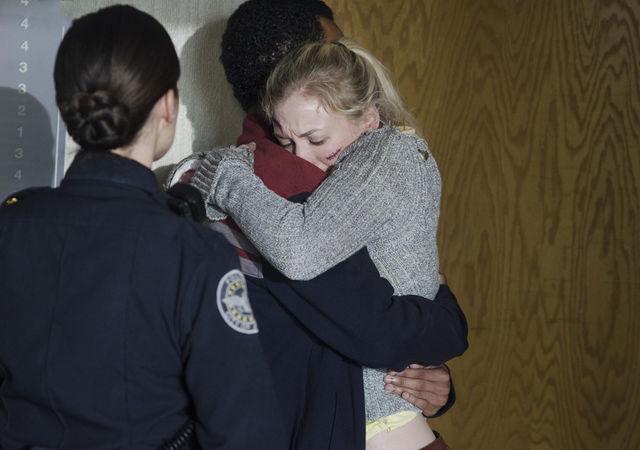 File:Beth embraces Noah.jpg