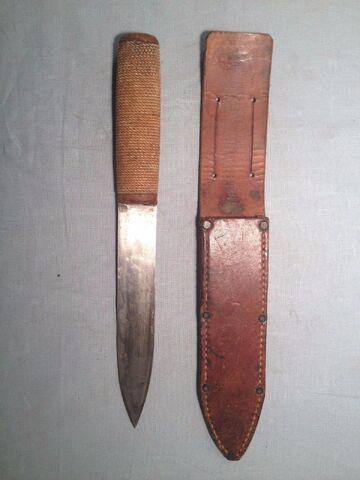 File:WW2 CUSTOM HAND MADE THEATER MADE DAGGER UNUSUAL SOLDIER FIGHTING KNIFE 11 7-8''.JPG