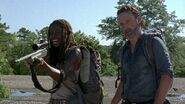Michonne and Rick Say Yes 7x12 Sniping