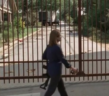 File:Deanna goes to gate.jpg