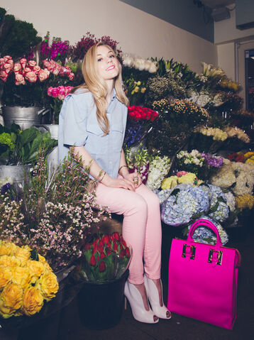 File:Emily Kinney surrounded by flowers with cute clothing shes like a humble princess.jpg