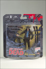 http://www.spawn.com/toys/media.aspx?product_id=4361&type=packaging&file=thewalkingdeadcomic1_rickgrimes_packaging_01_dp