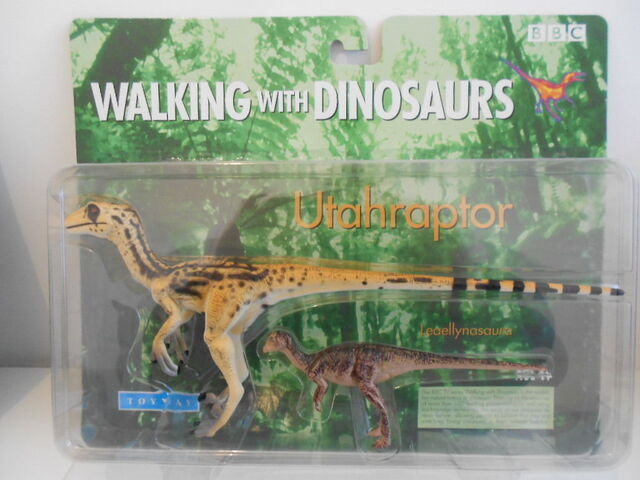 File:Utahraptor & Leaellynasaura toy boxed.jpg