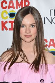 Emily-hahn-at-camp-cool-kids-premiere-in-universal-city