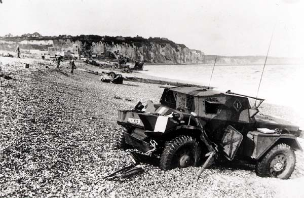 File:Dieppe pebble beach.jpg