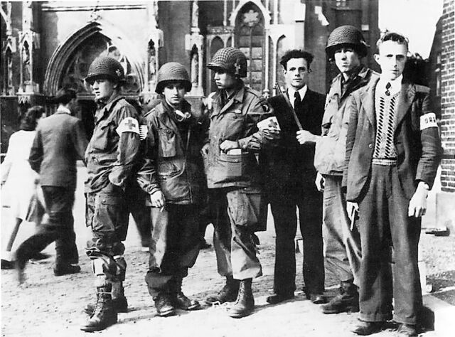 File:101st with members of dutch resistance.jpg