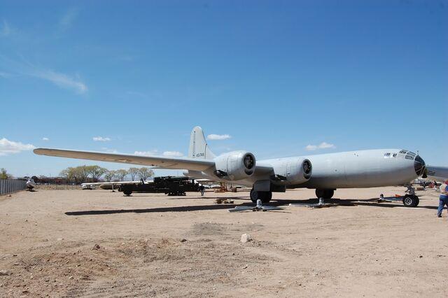 File:B-29 45-21748 ABQApr0910.jpg