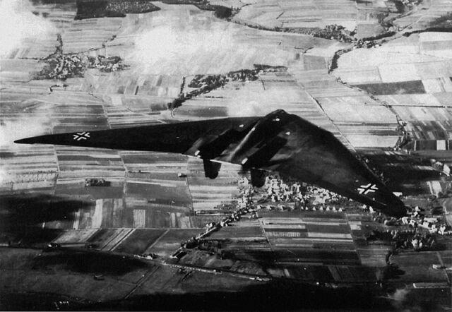File:Historical-photos-pt4-german-flying-ho-229-wing.jpg