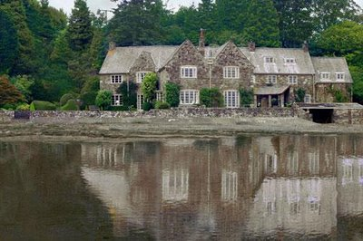 File:Exterior water blackett house and estate scotland dixcot locations.jpg