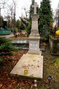 Cmentarz Ewangelicko-Augsburski (nagrobek K. Freyera)