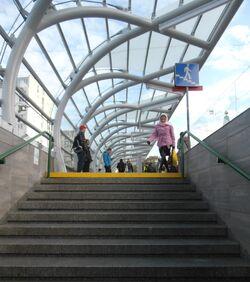 Metro Ratusz Arsenał (przystanek, nowe wiaty)