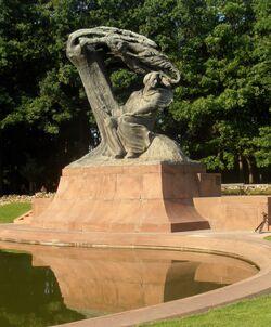 Pomnik Fryderyka Chopina (Łazienki).JPG