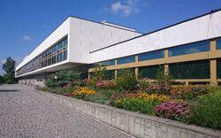 Biblioteka Narodowa od Pola Mokotowskiego.jpg