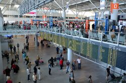 Terminal A Lotnisko Chopina.JPG