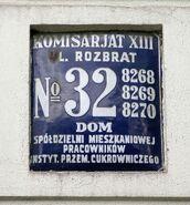 Przedwojenna tablica adresowa Rozbrat 32