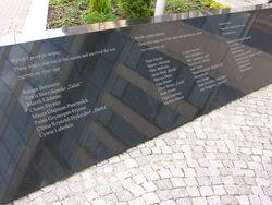 Tablice przy Pomniku Ucieczki z Getta