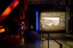 Miasto Ruin wejście do sali kinowej.JPG