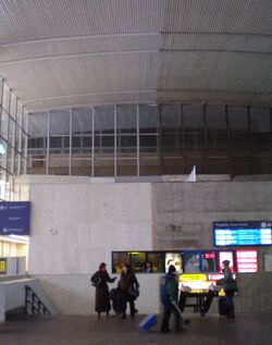 Dworzec Centralny (hala w remoncie).JPG