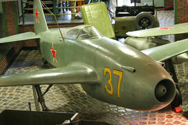 Yakolev Yak-15 37 yellow (8454539446)