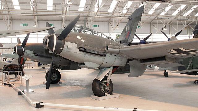 File:800px-Messerschmitt Me 410 (3444884769).jpg