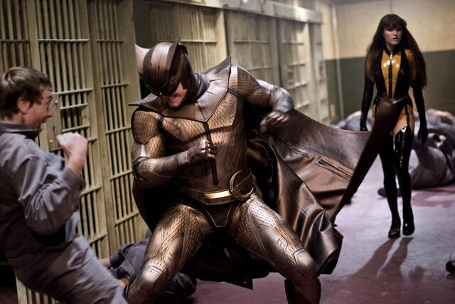 File:Nite Owl and Silk Spectre (movie) jailbreak.jpg