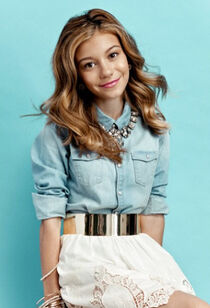 G-hannelius-photo-shoot-june-3