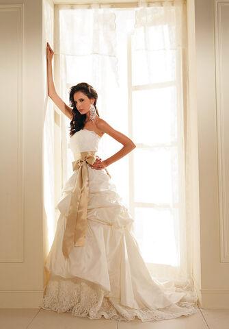 File:Designer-wedding-dresses.jpg