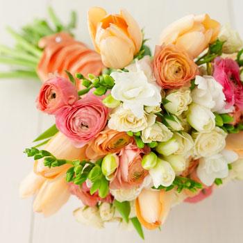 File:Spring wedding bouquet.jpg