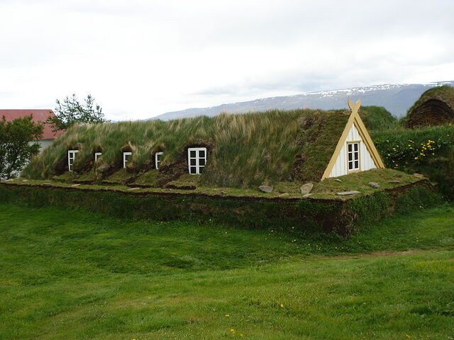 File:Icelandic turf house1.jpg