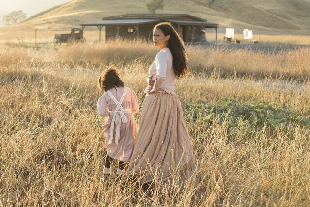 File:Homestead girl and MAeve.jpg