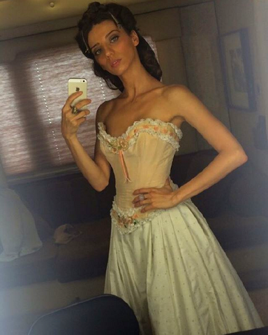 File:Actress angela preparing for Clem.png