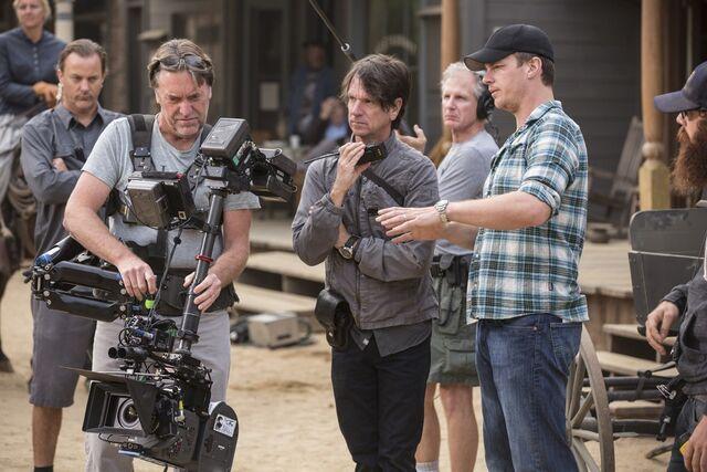 File:Cinematographer Paul Cameron behind scenes.jpg