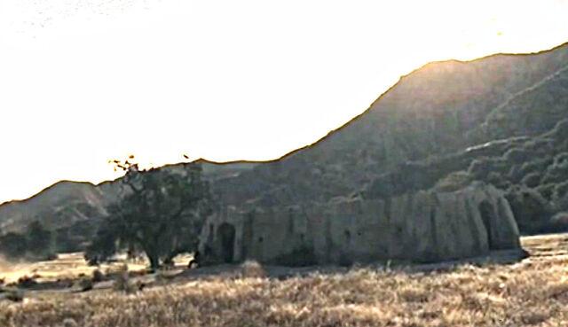 File:Los Diablos Prison.jpg
