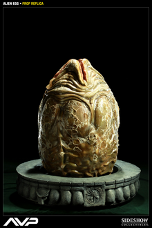 Alien Vs Predator - AVP Alien Egg Prop Replica