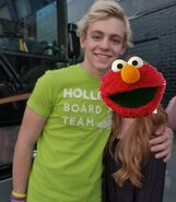 Ross-with-Fans-ross-lynch-austin-31831867-500-575