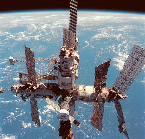 File:Spacestation2.jpg