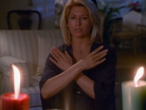 File:Serena casting her protection spell (2).jpg