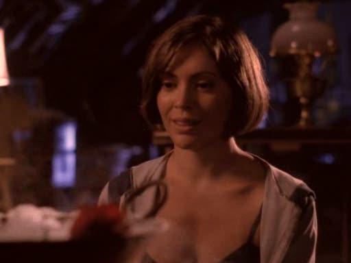 File:Phoebe in intro.jpg