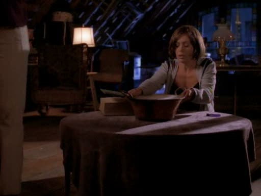 File:Phoebe gets a premonition from the pot.jpg
