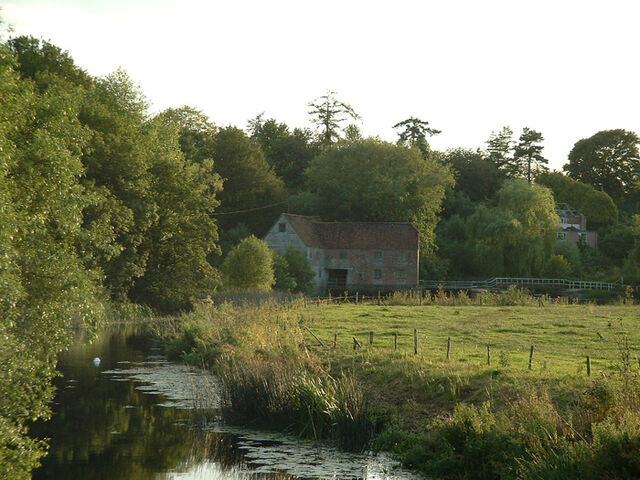Plik:Dorset stur mill from bridge.jpg
