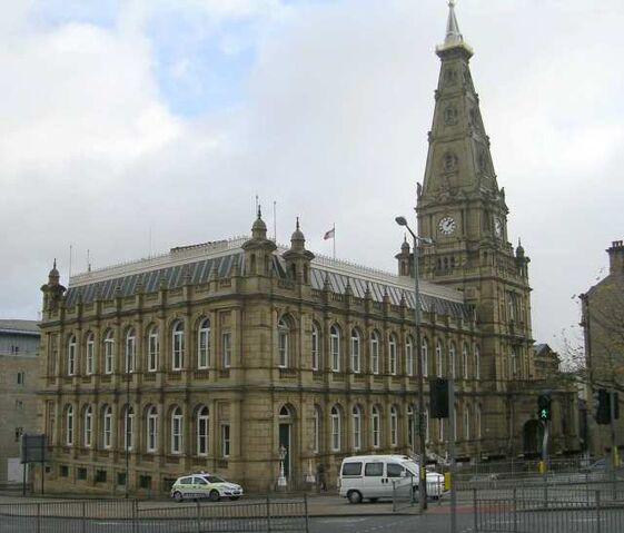 Plik:Halifax Town Hall.jpg
