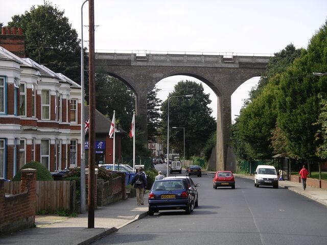 Plik:Spring rd viaduct 10s07.JPG