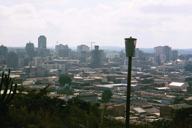 Plik:800px-Harare from the Kopje.jpg