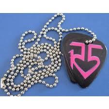File:R5 Pick Necklace.jpeg