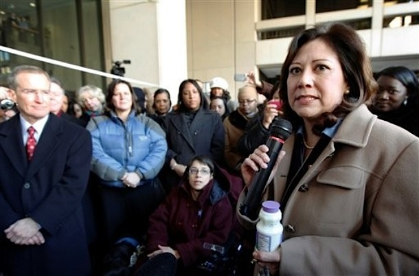 File:HildaSolis2-25-2009.jpg