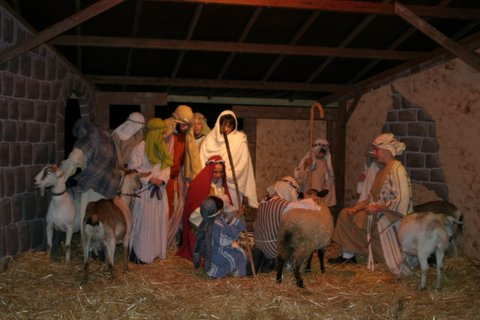 File:LivingNativity.jpg