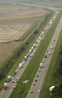 File:I-40TrafficStormArkansas.jpg