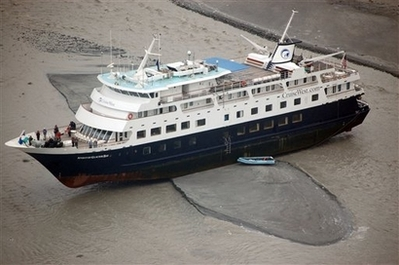 CruiseShipRunAground