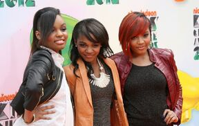 Mcclain-2012-kids-choice-awards-01