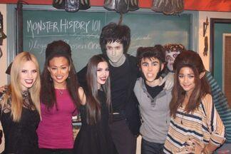Zayn Cast Photo